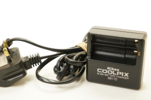 Nikon MH-70 Battery Charger