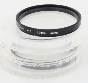 2 x 49mm DOI Close up filters +2 & +3 in Crystal Cases